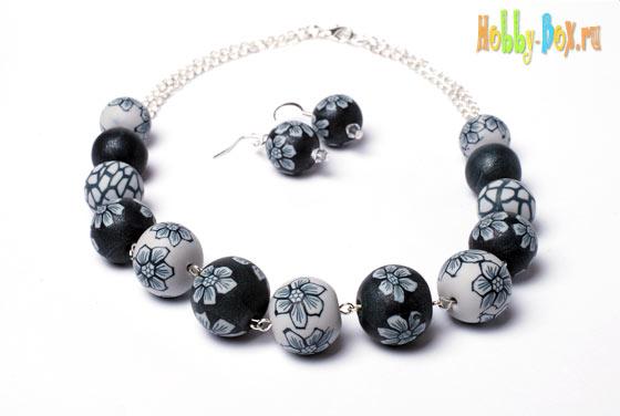 Бусы, браслет и серёжки из полимерной глины