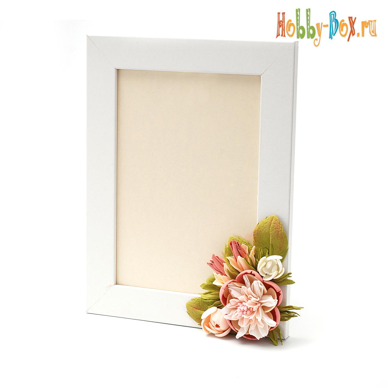 Рамка для фотографий с украшением из фоамирана